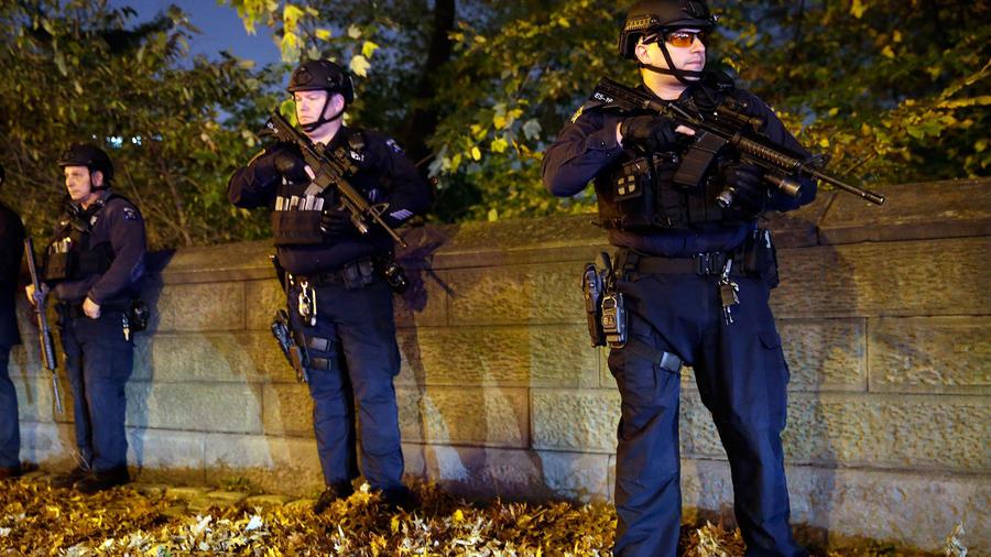 policias armados nueva york