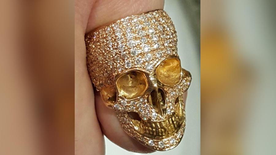 joe-manganiello-presume-anillo