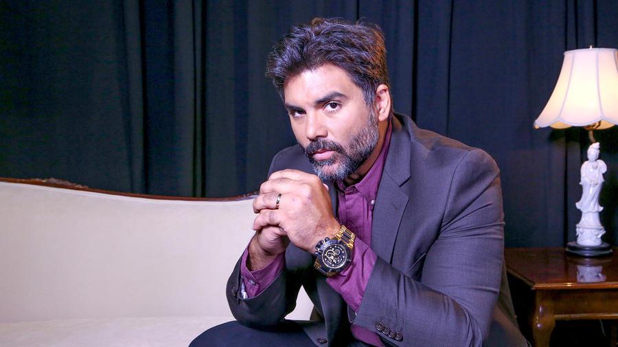 Jorge Luis Pila como Armando Montes en Eva La Trailera