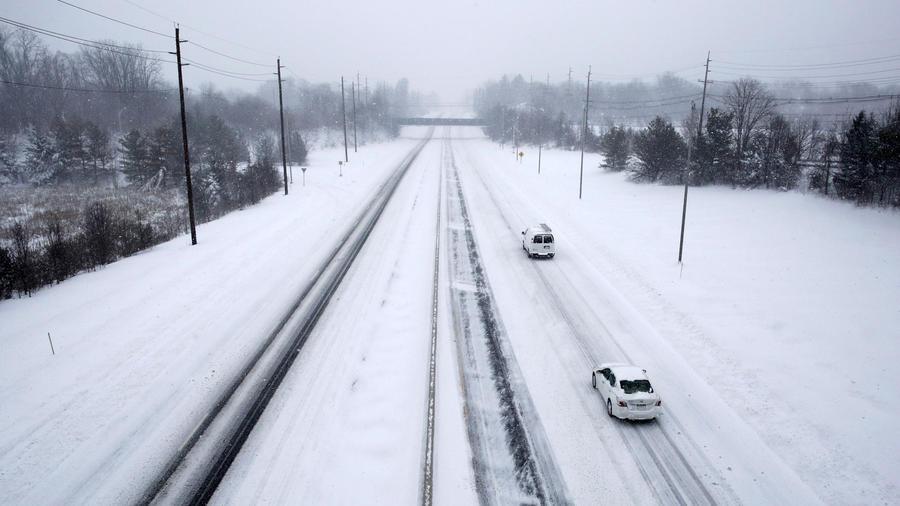 autopista con nieve