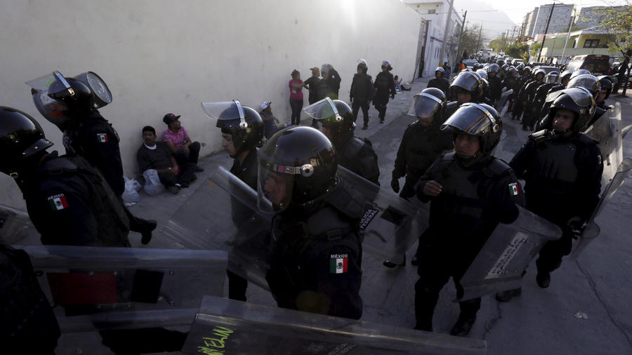 policias motin topo chico