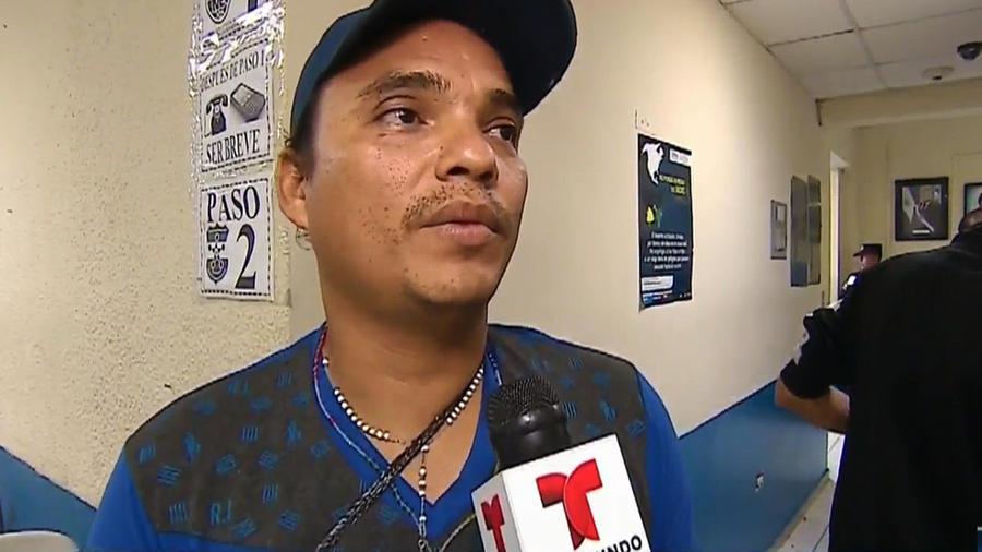 Padre salvadoreño se reencuentra con su hijo luego de ser deportado