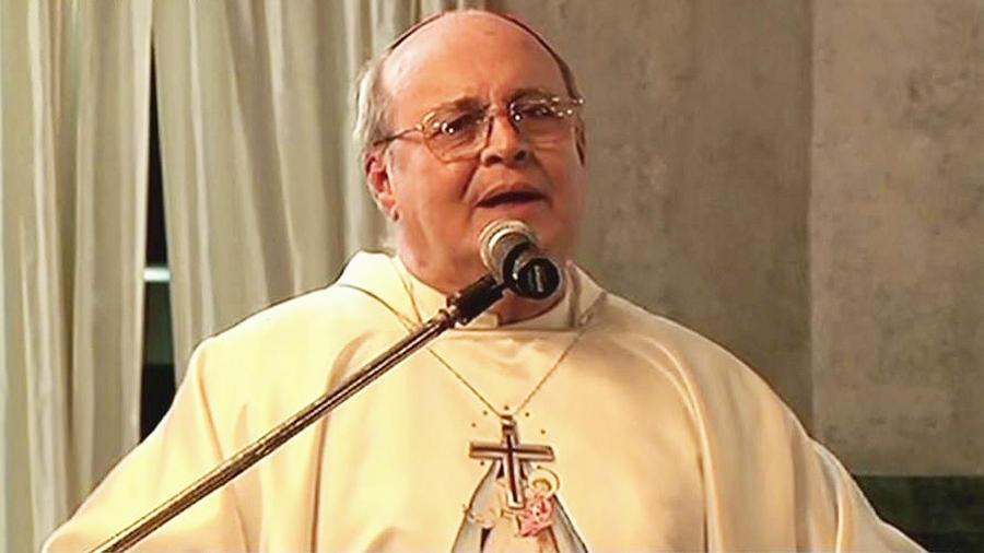 renuncia arzobispo cubano