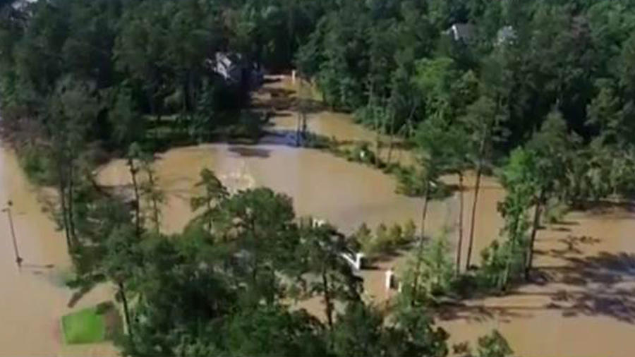 Luego de años de sequía, las inundaciones golpean Texas