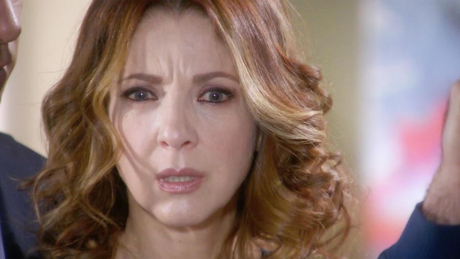 Edith González confundida por Jorge Luis Pila en Eva la Trailera