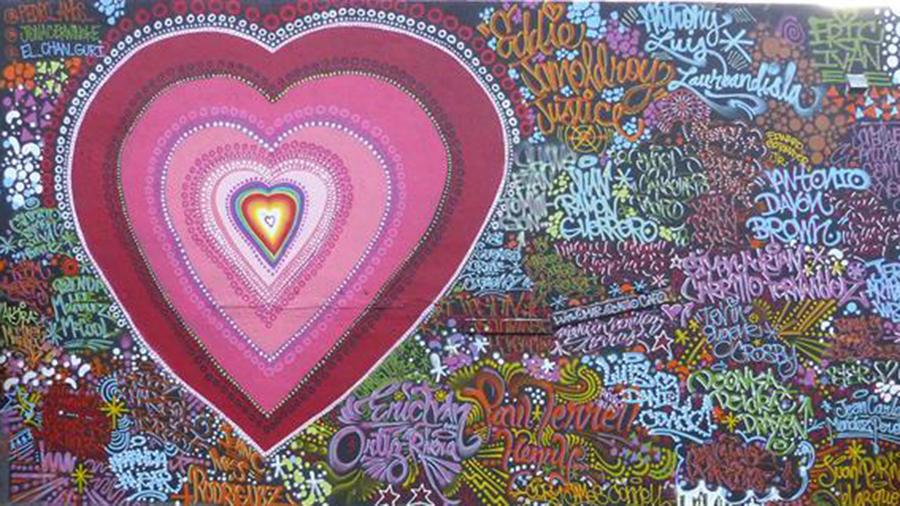 Mural en homenaje a las víctimas de la masacre en Orlando pintado en Wynwood en Miami