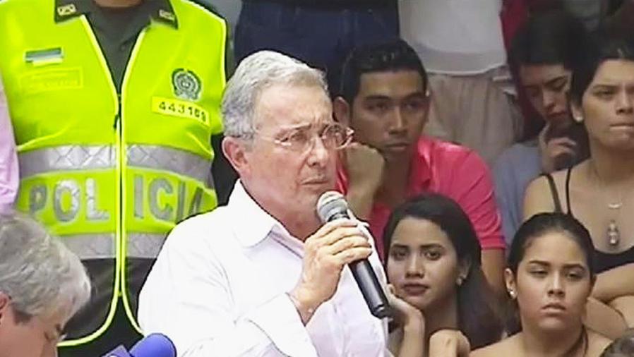 gobierno colombiano y farc firman la paz