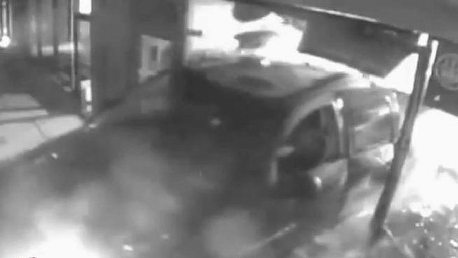 estrellan camion para robar