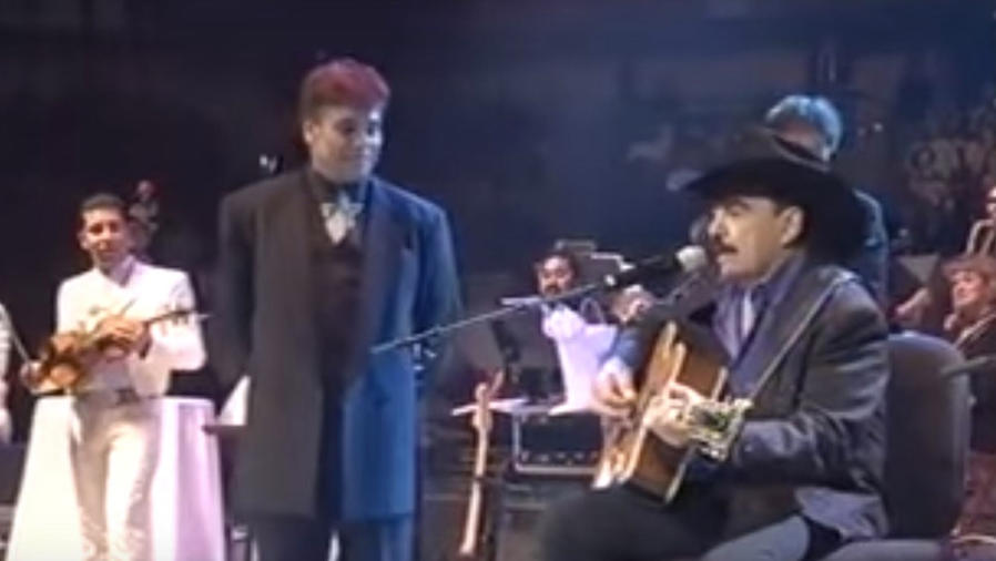 Momento en que Joan Sebastián cantó a Juan Gabriel