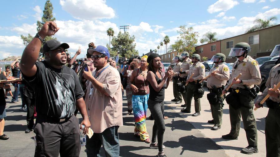 protestas en california