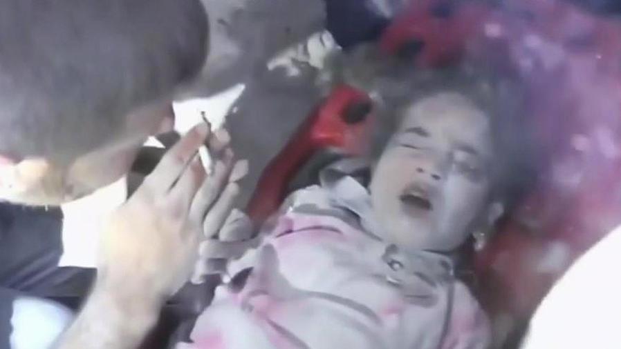 rescate en siria de niña
