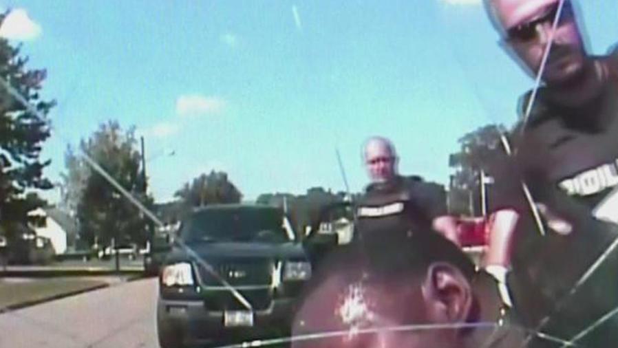 agente acusado brutalidad policial