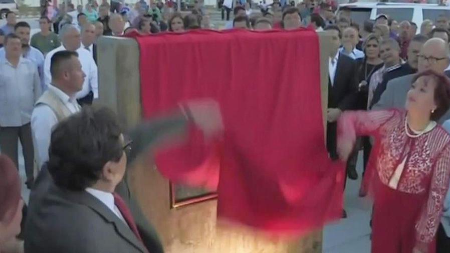 inauguran plaza juan gabriel