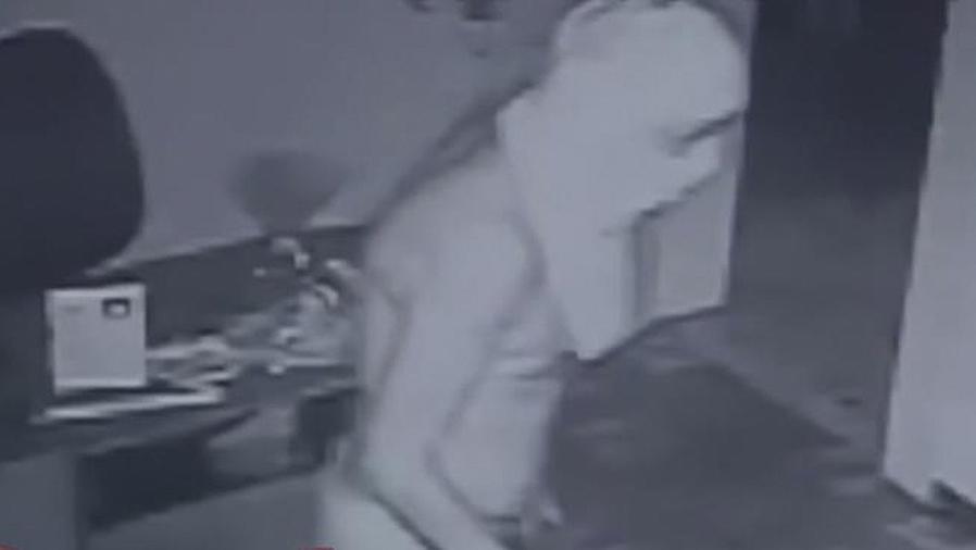 ladron en ropa interior