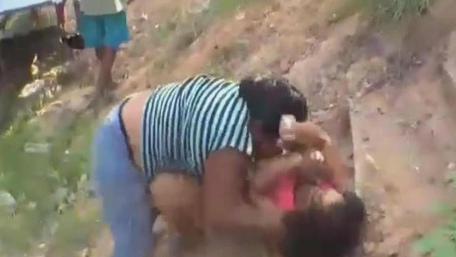 mujeres pelean