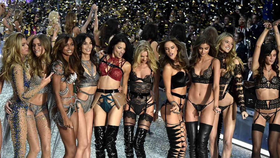Desfile de Victoria's Secret 2016 en París