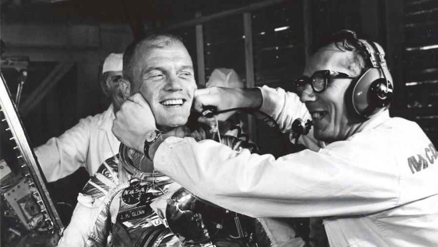 astronauta john glenn