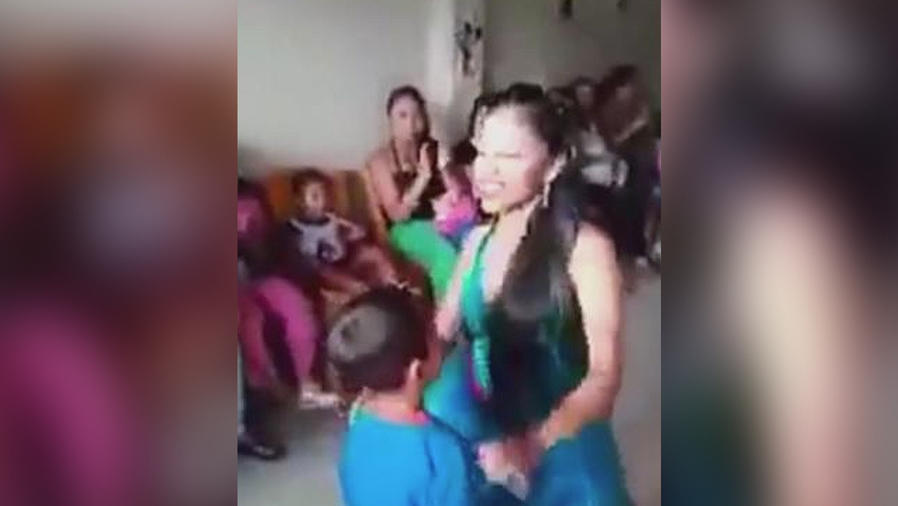 animadora baile inapropiado