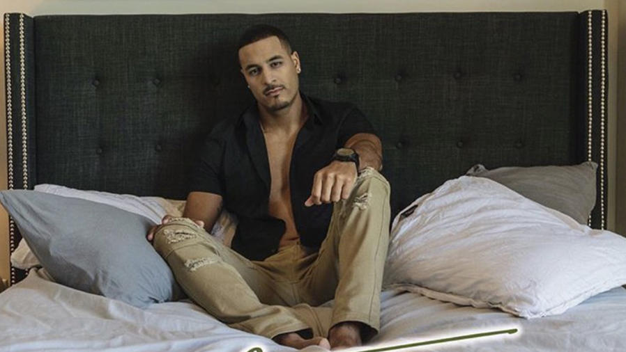 "Jason Cerda en el video musical 'Me Enamore"""