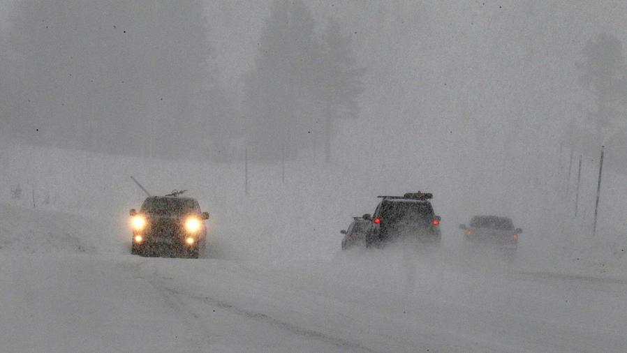 Al menos seis muertos por tormenta en tres estados