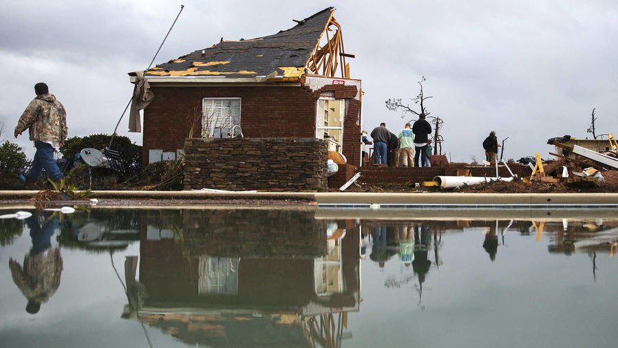 Caos por intensas lluvias en el sur de EEUU