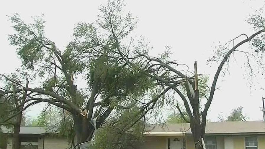 tormentas y tornados en texas