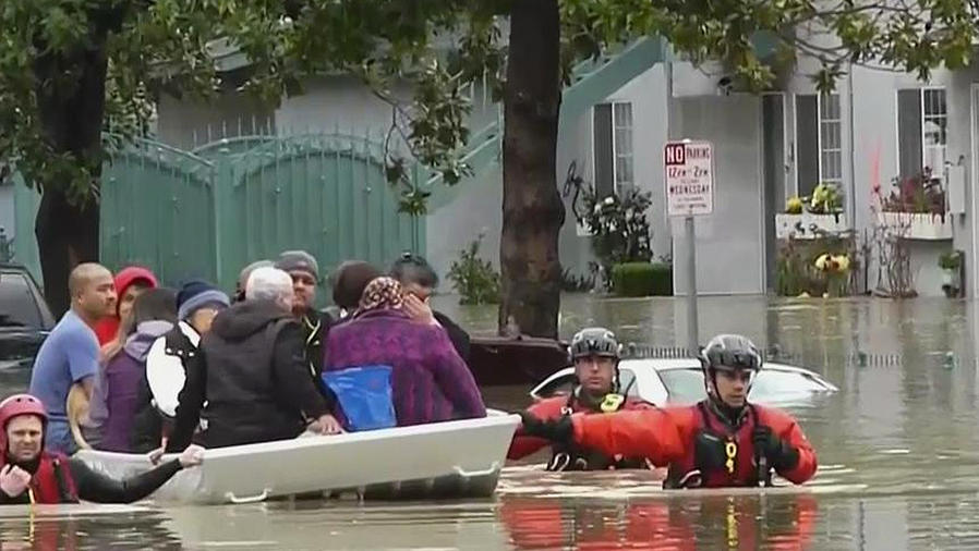 evacuan en california