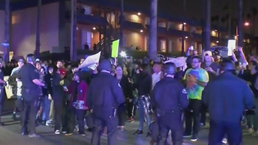 jovenes protestan