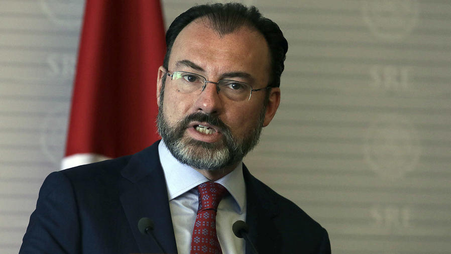 México apela a constructores a reflexionar sobre el muro