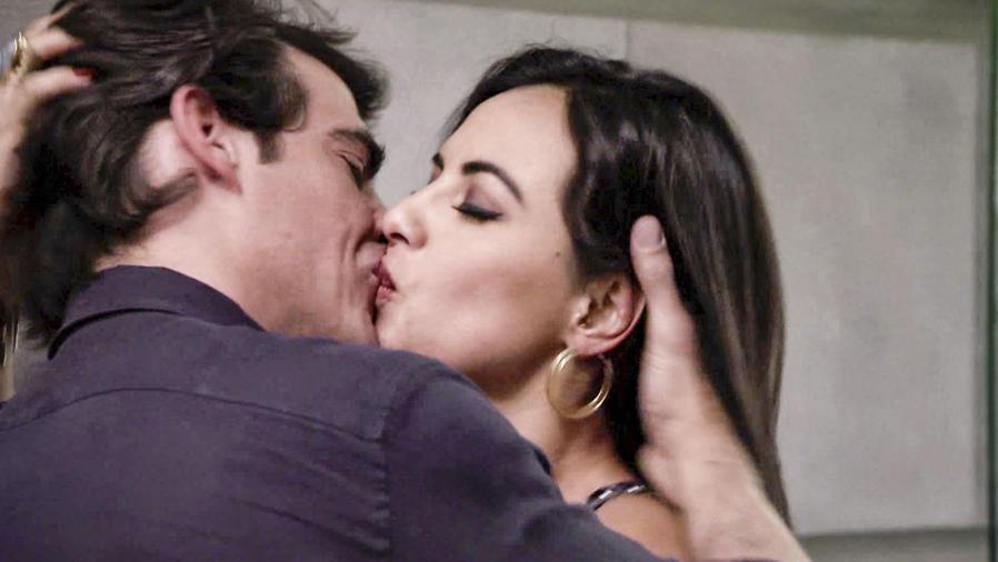 Luis Gerónimo Abreu y Julieta Grajales en El Chema