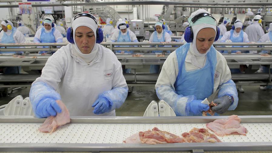 Escándalo de sobornos siembra dudas sobre la carne brasileña