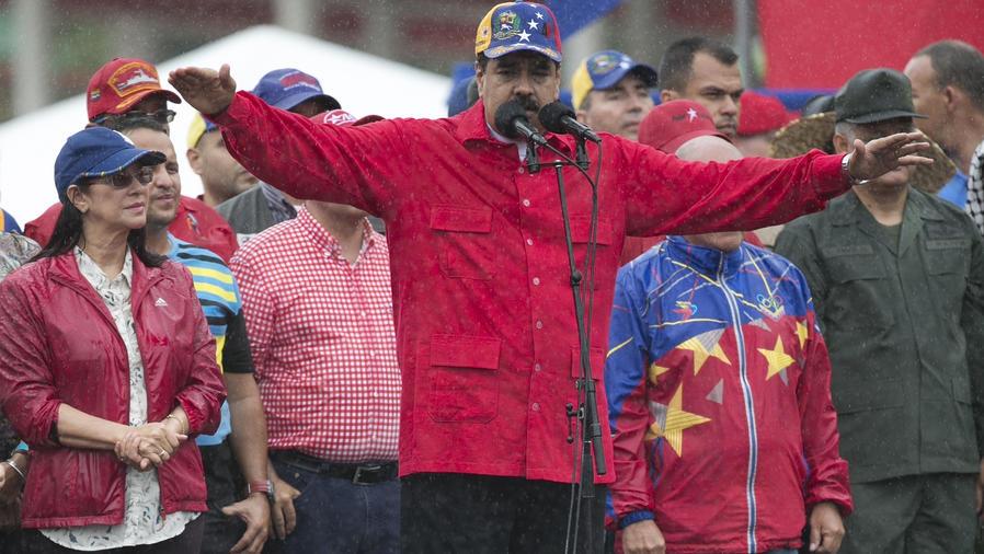 Maduro acepta ayuda de la ONU para enfrentar crisis de medicamentos