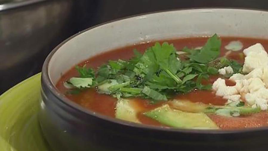 Recetas de cocina: Cómo hacer Sopa de Tomate y Aguacate