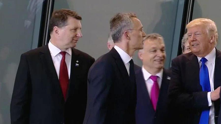 trump empuja a primer ministro