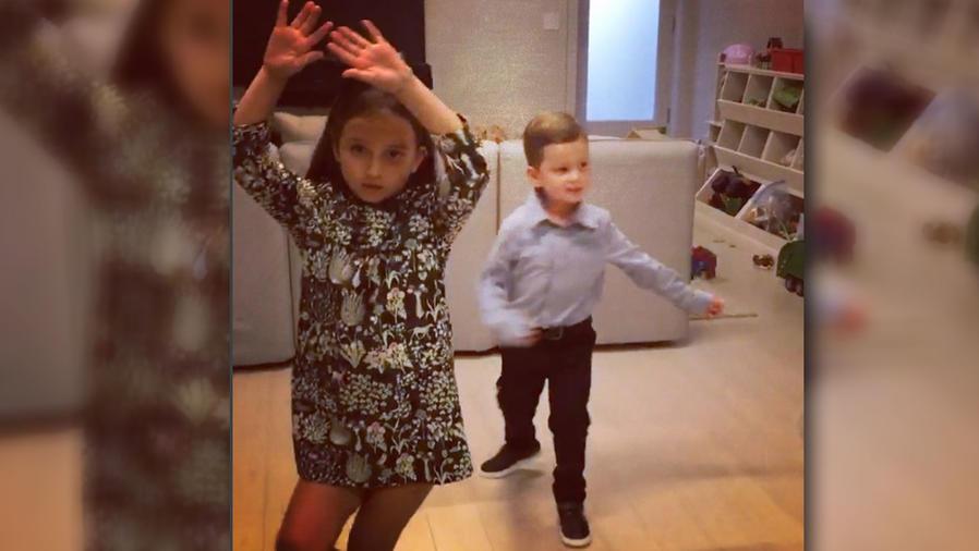Los nietos de Donald Trump bailando