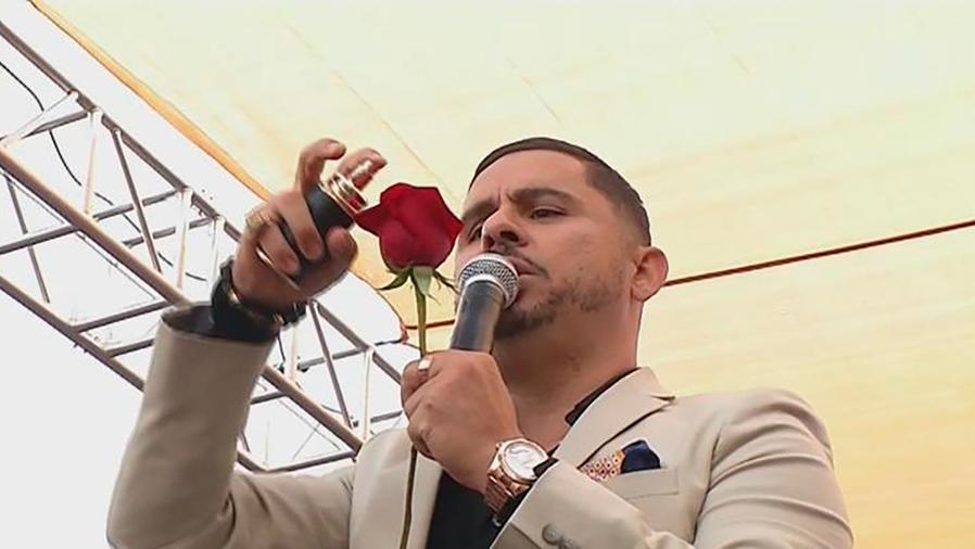 """Larry Hernández celebró """"El Grito de México"""" aunque no nació en el país azteca"""