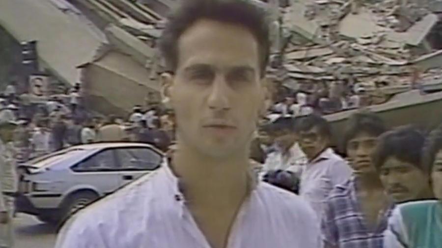 José Díaz-Balart durabte la cobertura del sismo en México en 1985