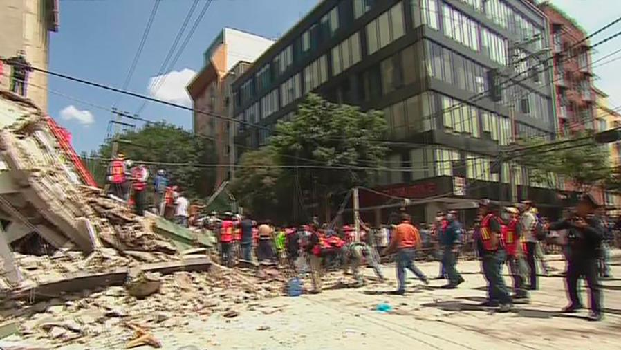 A un mes del poderoso sismo que sacudió México recordamos a los héroes de la tragedia