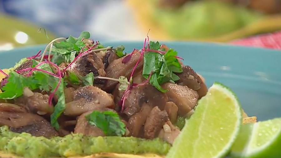Recetas de cocina: Cómo hacer unas Tostada con Hongos y Salsa de Habanero y Miel