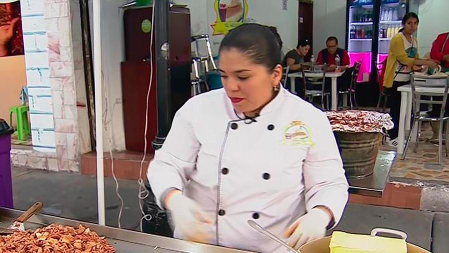 Karina Monroy nos muestra cómo se hace la torta gigante de la Virgen de Guadalupe