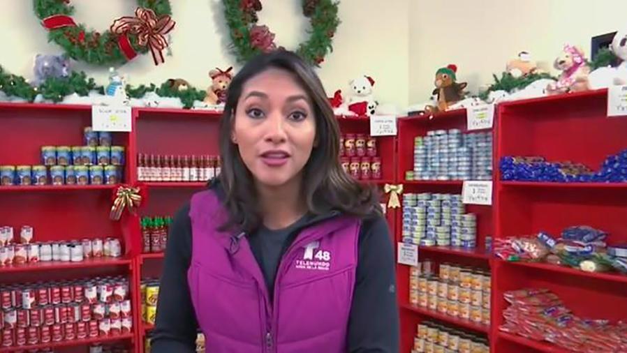 Un supermercado regala alegría a las familias pobres en estas fiestas navideñas