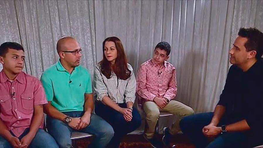 Sobrevivientes y padres de las víctimas dan su parecer sobre la masacre de San Valentín