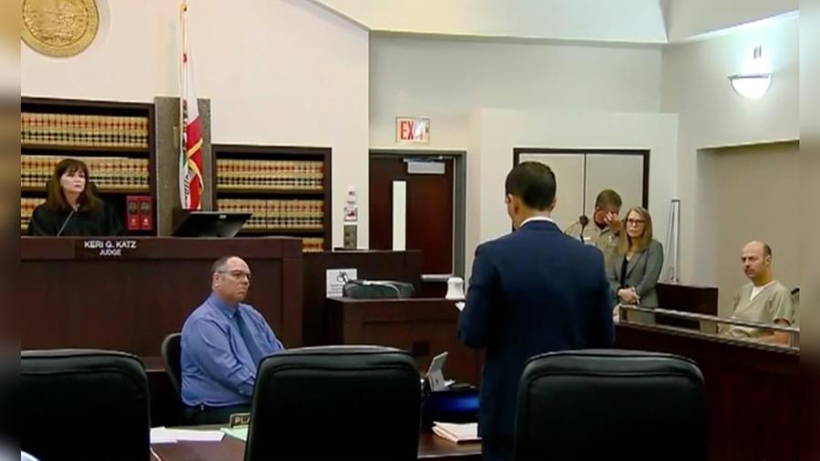 Esteban Loaiza se presenta a una audiencia en la Corte Federal