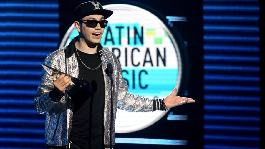 Raymix gana Canción Favorita - Regional Mexicano