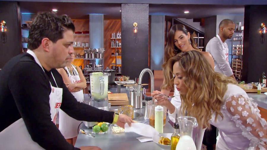 Verónica Bastos quedó encantada con la sopa de Javier