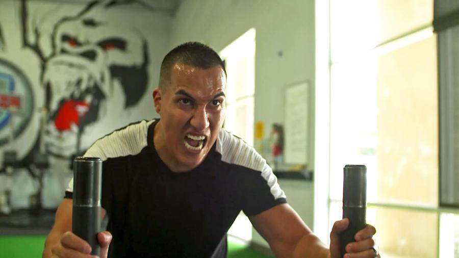 Javier Lucero entrenando crossfit