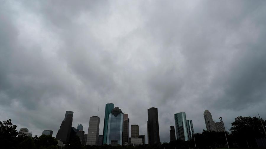 Tormenta Imelda sobre la ciudad de Houston ayer