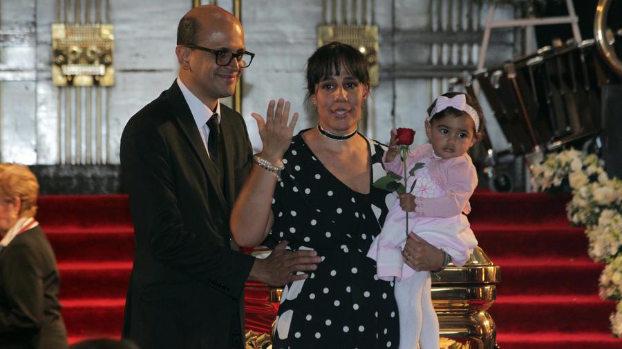 Marysol Sosa, su esposo y su hija Elena