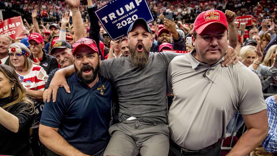 Simpatizantes del presidente, Donald Trump, en Dallas (Texas) el 17 de octubre de 2019.