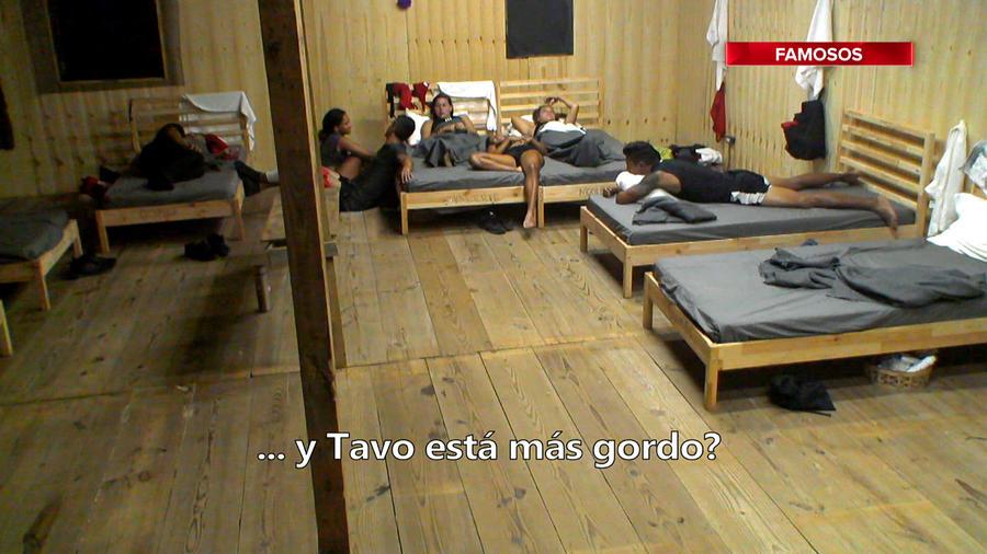 Famosos en la cabaña hablan de Kelvin y Tavo